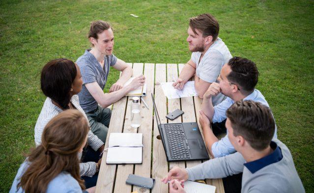 Employee Advocacy Event: van collega naar merkambassadeur [4 tips]